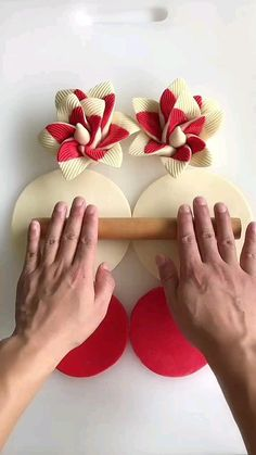 Amazing Food Decoration, Thali Decoration Ideas, Craft Work For Kids, Diy For Kids, Cake Decorating Techniques, Cake Decorating Tips, Basket Crafts, Food Carving, Paper Flowers Craft