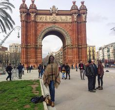 A look at the Arc de Triomf of #Barcelona with @anunstoppablejourney. // Travel Well #TravelFly!