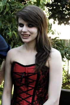 Vampire girl – make up and costume ideas. | best stuff | Halloween ...
