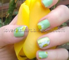 Springtime Daisies: Nail Art for Short Nails!
