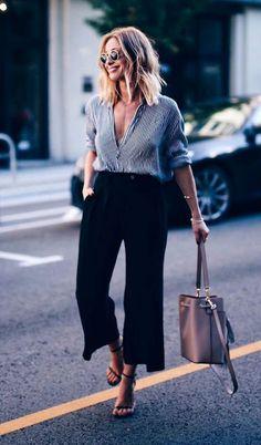 Calça Pantacourt Preta. 4 peças essenciais para um guarda-roupas fashionista!