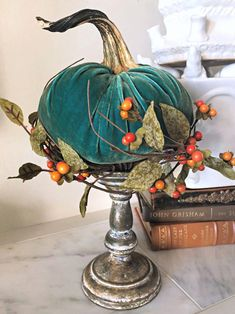 The best DIY craft ideas and tasks for your kids and home. Velvet Pumpkins, Fabric Pumpkins, Fall Pumpkins, Sweater Pumpkins, Autumn Decorating, Pumpkin Decorating, Diy Pumpkin, Fall Pumpkin Crafts, Autumn Crafts