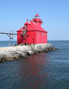 sturgeon bay canal north pierhead light north pier of the southern entrance to the sturgeon bay ship canal door county wisconsin