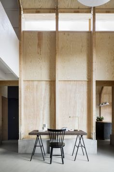 An architect designs a cozy, contemporary home for his mother - Curbedclockmenumore-arrow : The house combines aluminum, concrete, and plywood Plywood Interior, Plywood Walls, Interior Walls, Interior And Exterior, Plywood Furniture, Modern Furniture, Furniture Design, Ideas Cabaña, Sweden House