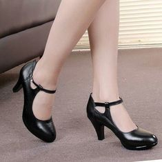 Cheap heels thick, Buy Quality office pumps directly from China zapatos mujer Suppliers: Genuine Leather Women Work Shoes 2017 Spring OL Professional Dress High Heels Thick Heels Office Pumps zapatos mujer Pretty Shoes, Beautiful Shoes, Cute Shoes, 1940s Shoes, Vintage Shoes, Best Golf Shoes, Lunette Style, Shoes 2015, Black High Heels