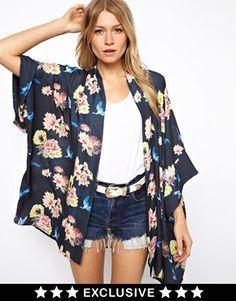 Sew Kimono - The trendy garment in 30 minutes - Hairstyles For Women Kimono Shirt, Kimono Outfit, Cardigan Outfits, Asos Kimono, Kimono Cardigan, Kimono Style, Diy Fashion, Ideias Fashion, Fashion Outfits