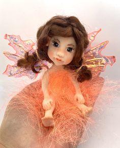 Miniature Fairy Figurines, Indoor Fairy Gardens, Magical Images, Polymer Clay Dolls, Flower Fairies, Fairy Art, Fairy Dolls, Ooak Dolls, Pixies