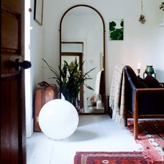 """Ok, they are suggesting this as a """"trompe l'oeil doorway"""" -- that spells disaster to me #ruemag"""