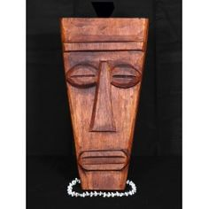 Hand carved Papua mask made of mango tree. Great piece of tropical decor! The mask measures 12 inches in length Tiki Mask, Mango Tree, Tropical Decor, Mask Making, Wood Carving, Hawaiian, Pop Art, Hand Carved, Retro