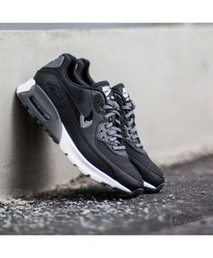 quality design 90b43 f42e8 Order Nike Air Max 90 Ultra Essential Mens Shoes Official Store UK 1540 Air  Max Sneakers