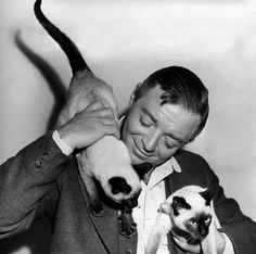 Oh, beautiful Peter Lorre. I like this picture because it shows him a little older than his M and Casablanca days, a little rounder, a little closer to the dark end, but he looks happy.