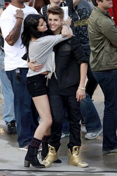 Justin and Selena Kiss on Set of Music Video - Photo 18