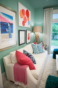 Play with dynamic colors like Kentucky Blue and Swan White this spring, then accent with bright pillows and colorful wall art. Via MyColortopia.com #HGTVDreamHome 2016