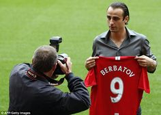Berbatov klar for manchester united
