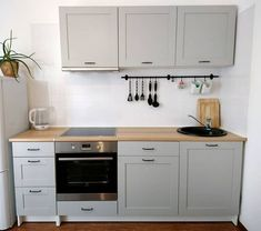 Take a look at this essential photo in order to browse through the here and now guidance on Small Kitchen Renovation Rustic Kitchen, New Kitchen, Kitchen Decor, Cottage Kitchens, Home Kitchens, Knoxhult Ikea, Kitchen Countertops, Kitchen Cabinets, Soapstone Kitchen