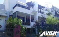 Το αναβατόριο EASY LIFT κατασκευάζεται στην Ελλάδα από την Aviek. Είναι εναρμονισμένο με τις Ευρωπαϊκές οδηγίες Μηχανών 42/2006 ΕΚ και σύμφωνα με το πρότυπο BS EN81.42/2010. Με την αγορά του δίνεται δήλωση συμμόρφωσης CE. Mansions, House Styles, Home Decor, Decoration Home, Room Decor, Fancy Houses, Mansion, Manor Houses, Mansion Houses