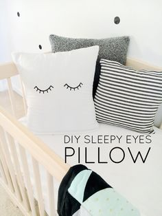 I love this adorable pillow! This is such an easy DIY that takes no time!