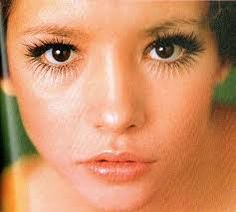 Cathee Dahmen born in Minnesota. She became a model and later married actor Leonard Whiting (In Romeo and Juliet movie). She died of COPD and Emphysema at age Boudoir Photos, Boudoir Photography, Juliet Movie, Jeanloup Sieff, Becoming A Model, Vogue Magazine, Female Images, Going Crazy