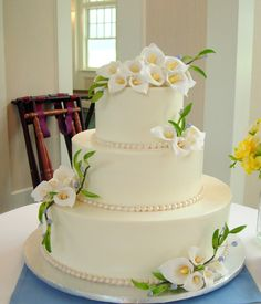 Buttercream Wedding Cake With Calla Lily And Berries Pinehills Country Club Artisanbakeshop