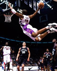 This is just too cool!!  Vince Carter.  If you don't know Vinsanity ... then you don't know basketball.