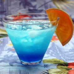 The Blue Skies cocktail is a British recipe, so when it calls for lemonade, it's referring to a carbonated beverage. Lemonade in the US is flat, so to my fellow Americans, I recommend adding some club soda to your flat lemonade to get the same effect. Of course... #bluecuracao #cointreau #lemon