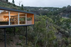 Highway House is a family home designed by Melbourne-based Room 11 Studio. This wood house has an area of 135 sqm and is located in Tasmania.