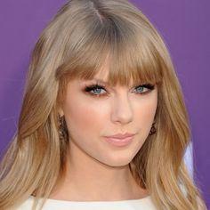 2012 Academy of Country Music Awards: Taylor Swift - www.bellasugar.com.au