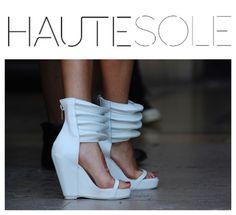 PARIS FASHION WEEK STREET-STYLE ✨✨✨✨✨✨✨✨✨✨✨✨✨✨✨ #HAUTESOLEMAGAZINE #HAUTESOLE #Fashion #Footwear #Shoes #style #stylish #sneakers #design #Stylist #instagood #designer #Fashiondesigner #FashionStylist #WardrobeStylist #CelebrityWardrobeStylist #Fashionista #StreetStyle #FashionWeek #PFW #NYFW #luxury #fashionista #fashionblogger #magazine #DREAMFEARLESSLY #SS15 #FA15
