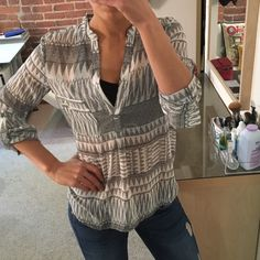 Forever 21 sheer patterned blouse Cute and flattering! Can be worn tucked or untucked. Like new. Forever 21 Tops Blouses