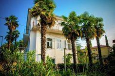 Apartment Antonija  Ruim huis met balkon op 50 meter van zee!  EUR 369.98  Meer informatie  #vakantie http://vakantienaar.eu - http://facebook.com/vakantienaar.eu - https://start.me/p/VRobeo/vakantie-pagina