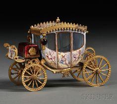 Viena Enamel Gilt Metal and Miniature (Austria) — Miniature Coach, century Princess Carriage, Cinderella Carriage, Miniature Houses, Miniature Dolls, Toy Wagon, Art Ancien, Horse Carriage, Ornaments Design, Horse Drawn