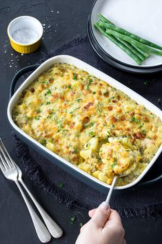 Salmon recipes 740842207433107567 - This easy tuna potato bake comes together a lot quicker than regular potato bakes. No need to cook in the oven for ages! Potato Recipes, Fish Recipes, Seafood Recipes, Vegetarian Recipes, Dinner Recipes, Cooking Recipes, Healthy Recipes, Canned Tuna Recipes, Oven Recipes