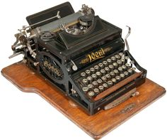 Ideal typewriter - 1900 (Martin Howard Collection)