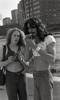 Smoking pot on Lake Shore Drive, 1976, Chicago. Photography by Lee Balterman