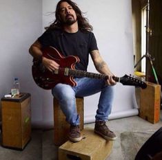 Dave Grohl, be still my heart!!!!!!!!!!