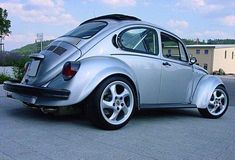 Vw Super Beetle, Beetle Car, Ferdinand Porsche, Fusca German Look, Porsche Wheels, Van Vw, Smart Roadster, Bug Car, Vw Classic
