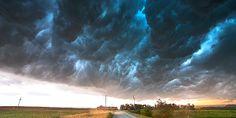 Εκπληκτικές φωτογραφίες από θεομηνίες Clouds, Nature, Outdoor, Outdoors, Naturaleza, Outdoor Games, Outdoor Living, Scenery