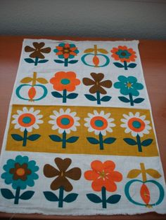 Vintage 70s Tea Towel Funky Flowers by Poppylarity on Etsy