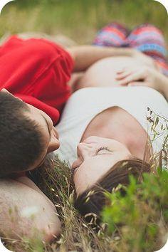 Quem aí tem um marido tímido ou que não tem paciência (talvez a maioria kkk) para fazer um ensaio de gestante? É muito comum que os homens tentem fugir desse mo