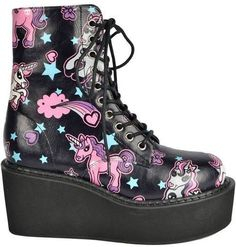 goth is girly yet kick ass. Like if Lisa Frank puked on a pair of combat boots. Pastel goth is girly yet kick ass. Like if Lisa Frank puked on a pair of combat boots. Estilo Goth Pastel, Pastel Goth Shoes, Pastel Goth Outfits, Pastel Punk, Pastel Goth Fashion, Pastel Goth Clothes, Hipster Grunge, Style Grunge, 90s Grunge