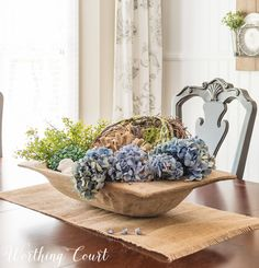 Fall Home Decor Learn how to create a beautiful and lush dough bowl centerpiece display. Home Decor Learn how to create a beautiful and lush dough bowl centerpiece display. Summer Centerpieces, Table Centerpieces, Centerpiece Ideas, Dough Bowl, Bread Bowls, Bowl Fillers, Summer Kitchen, Decorating Coffee Tables, Wood Bowls