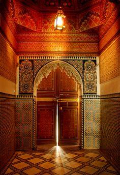 Une magnifique porte et son architecture !
