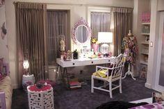 television decor - pretty little liars set decor