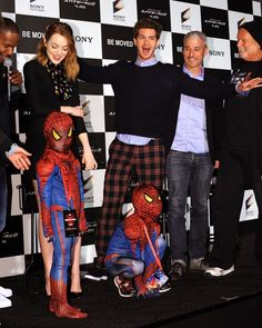 The first time they hung out with mini spider-men and everyone was happy and loving life… | 26 Times Emma Stone And Andrew Garfield Spread Their Perfection All Over The World