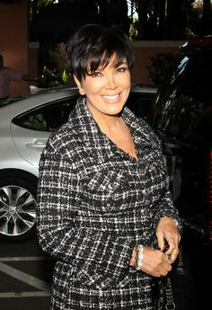 Kris Jenner says a band of pranksters are messing with her family. Jenner says a round of recent news about her family is the result of. Kris Jenner Hair, Kris Jenner Style, Kendall And Kylie Jenner, Kardashian Kollection, Kardashian Jenner, Cardi B Photos, Kardashian Family, Good Looking Women, Short Cuts