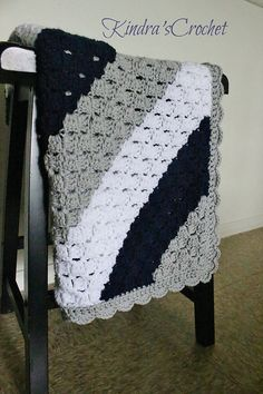 Kindra's Crochet Corner-to-Corner C2C Navy, Gray (Grey Mist) and White baby blanket with scalloped edge Pattern Tutorial