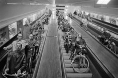 Herbert Behrens, Roltrappen in de Maastunnel, Rotterdam (1970)