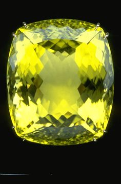 Photograph of Heliodor - National Gem Collection.