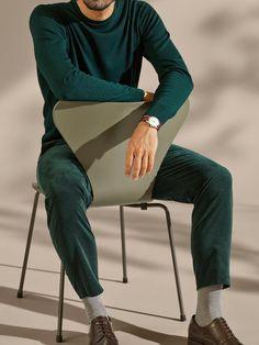 Fritz Hansen Serie 7 Stuhl 3107 New Colours von Arne Jacobsen, 1955 - Designermöbel von smow.de Fritz Hansen, Arne Jacobsen, Le Corbusier, Contemporary Furniture, Colours, March, Palette, Modern Furniture Design, Pallets