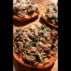 Todays #Lunchbox: Fall Flavor...Wild Mushroom Crostini.  Sauteed  Wild Mushrooms Onion and Garden Fresh Kale atop Gluten Free Toast. Add a dollup  cashew cream or yogurt  for creaminess.  #mushroom #fallflavor #crostini #yums #foodie #glutenfree #eathealthy #eattolive #eatclean